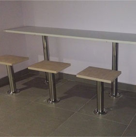 fibre glass table and chairs